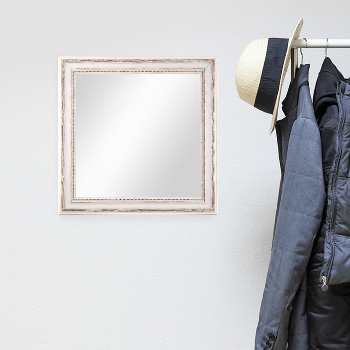 Wand spiegel 60x60 cm im massivholz rahmen landhaus stil for Spiegel 60x60
