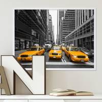 Poster mit Bilderrahmen Weiss Taxi 30x40 cm Motiv Stadtbild New York City Foto Modern