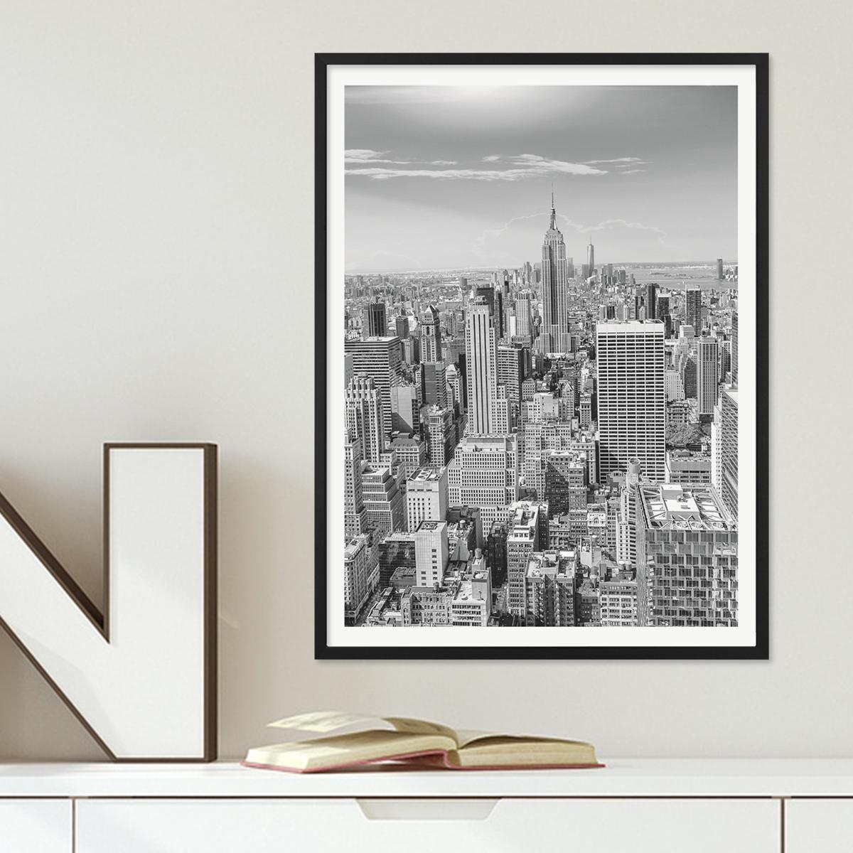 poster mit bilderrahmen schwarz 39 new york city 39 30x40 cm schwarz weiss motiv landkarte skyline. Black Bedroom Furniture Sets. Home Design Ideas