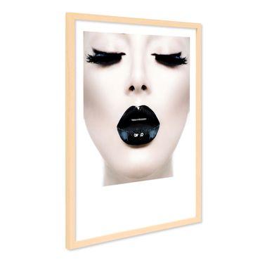 Design-Poster mit Bilderrahmen Natur 'Schwarze Lippen' 40x50 cm Motiv Pop Art